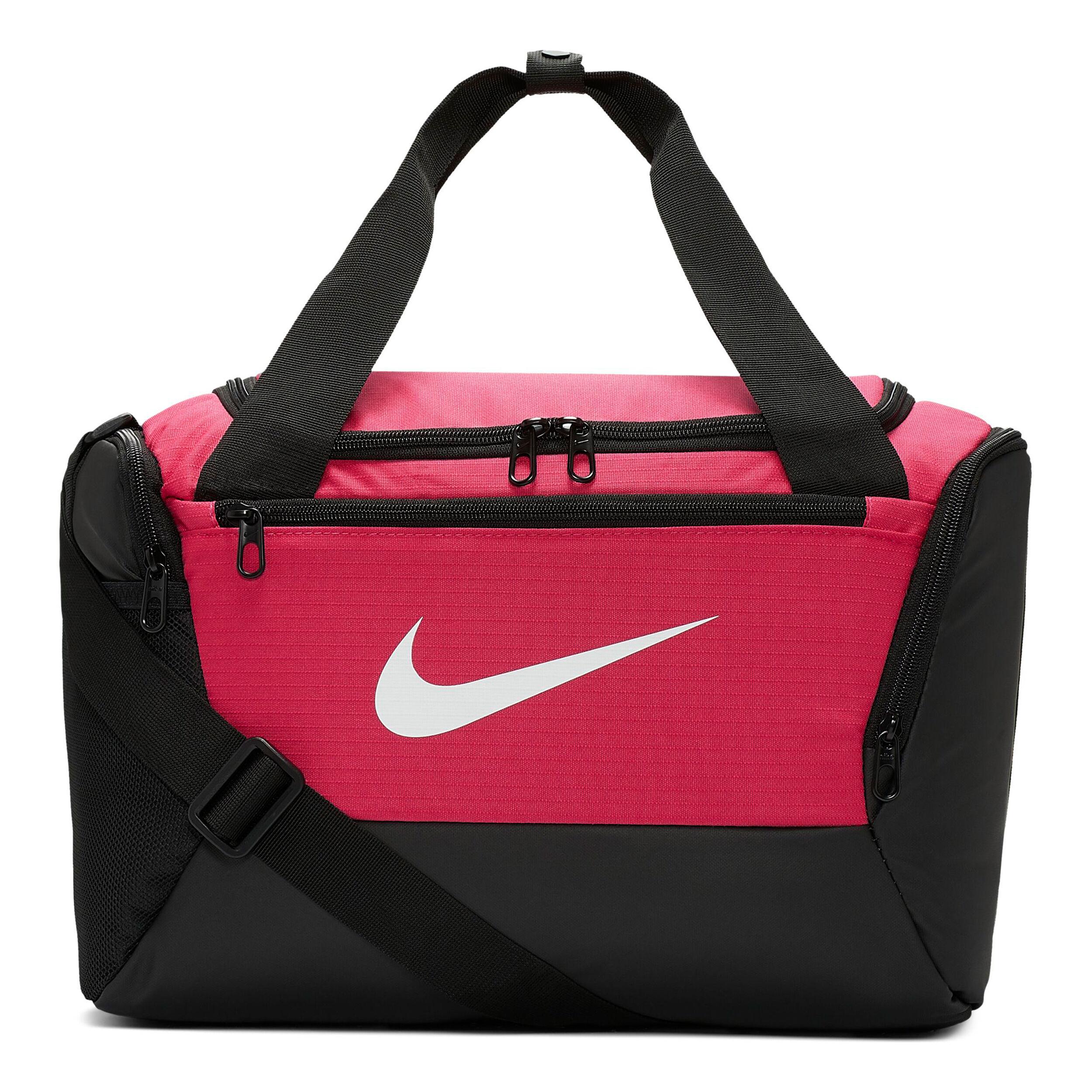 Shoppa Nike Brasilia Väska (Extra Small) i en Svart färg